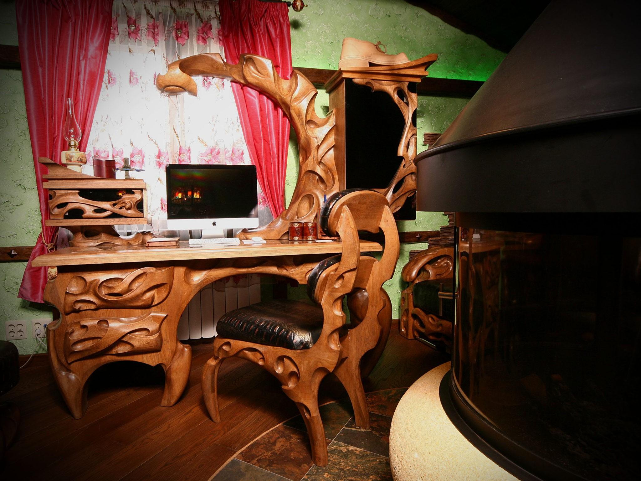 Компьютерный стол, кресло