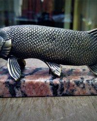 "Скульптура ""Щука"", бронза, натуральный камень"