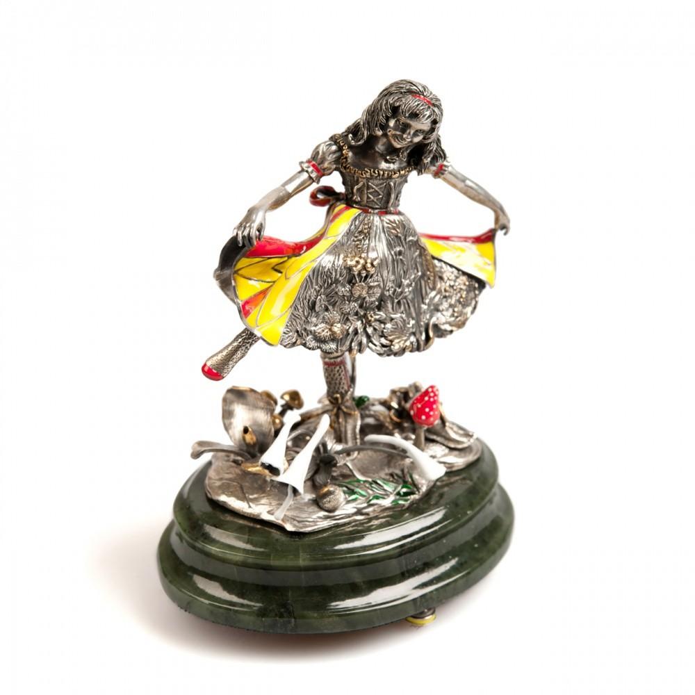 Скульптурная композиция «Танцы»