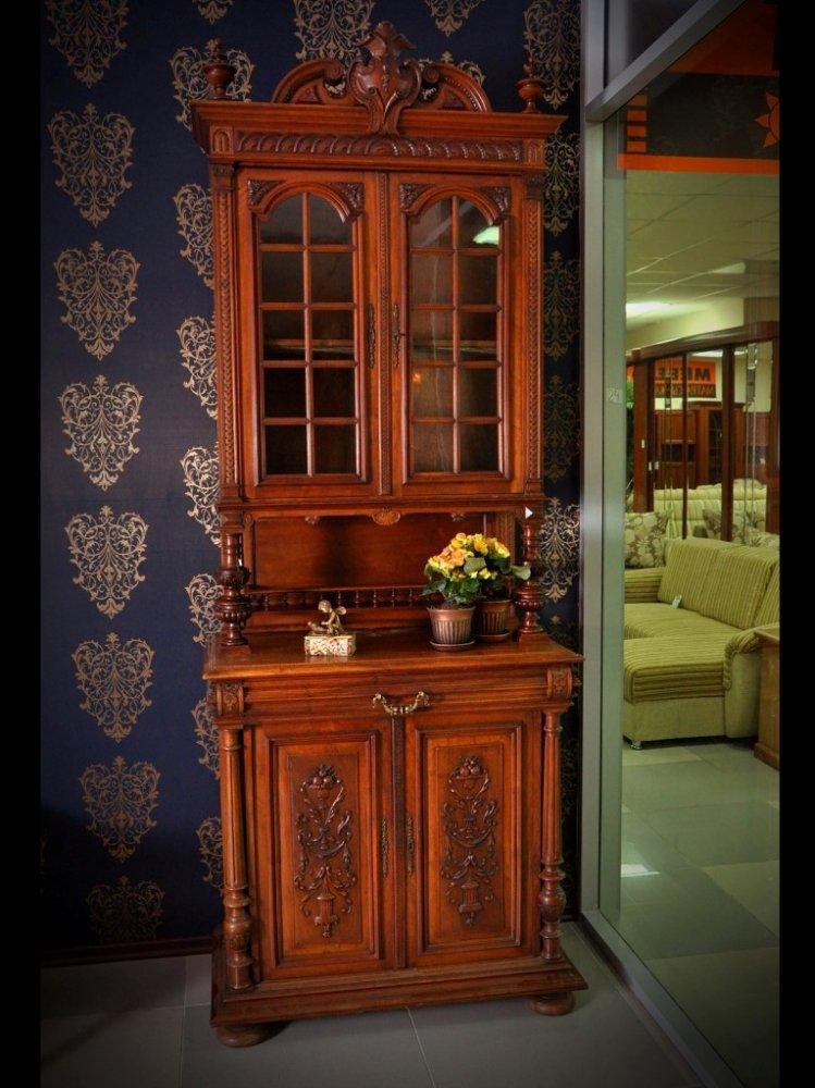 Шкаф для книг резной